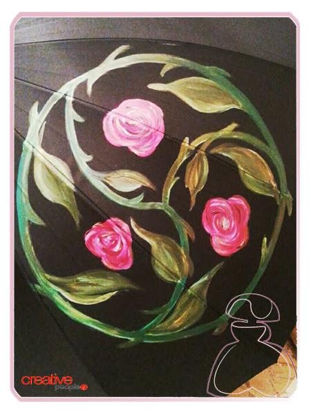 Triskel en el paraguas pintado a mano por Sylvia Lopez Morant, modelo triskel