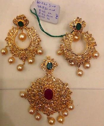 Latest Gold Jewellery Designs Uncut Diamond Pendant Set