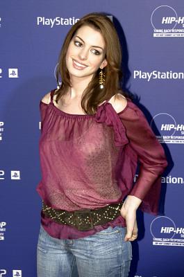 Anne Hathaway pics