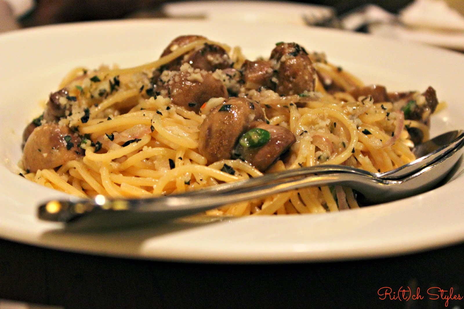 Mediterranean-Roasted-Mushroom-Spaghettini-California-Pizza-Kitchen
