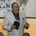 Pastor pide dinero para reparar su helicóptero y dice que a cambio Dios les dará un automóvil