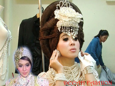 Baju Lebaran Syahrini Royal Dress 2013