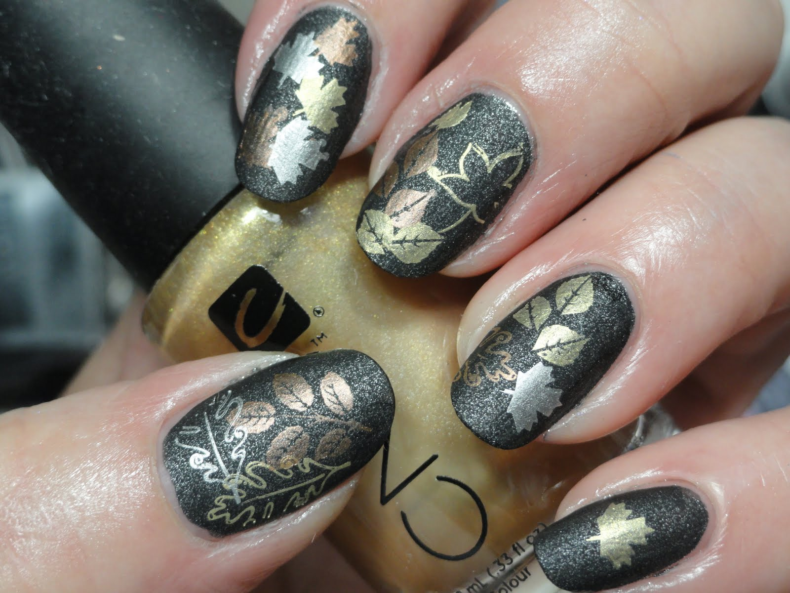 Canadian Nail Fanatic: Fall Leaf Nails