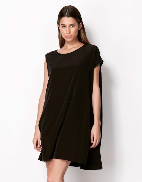 bol kesim dökümlü siyah gece elbisesi