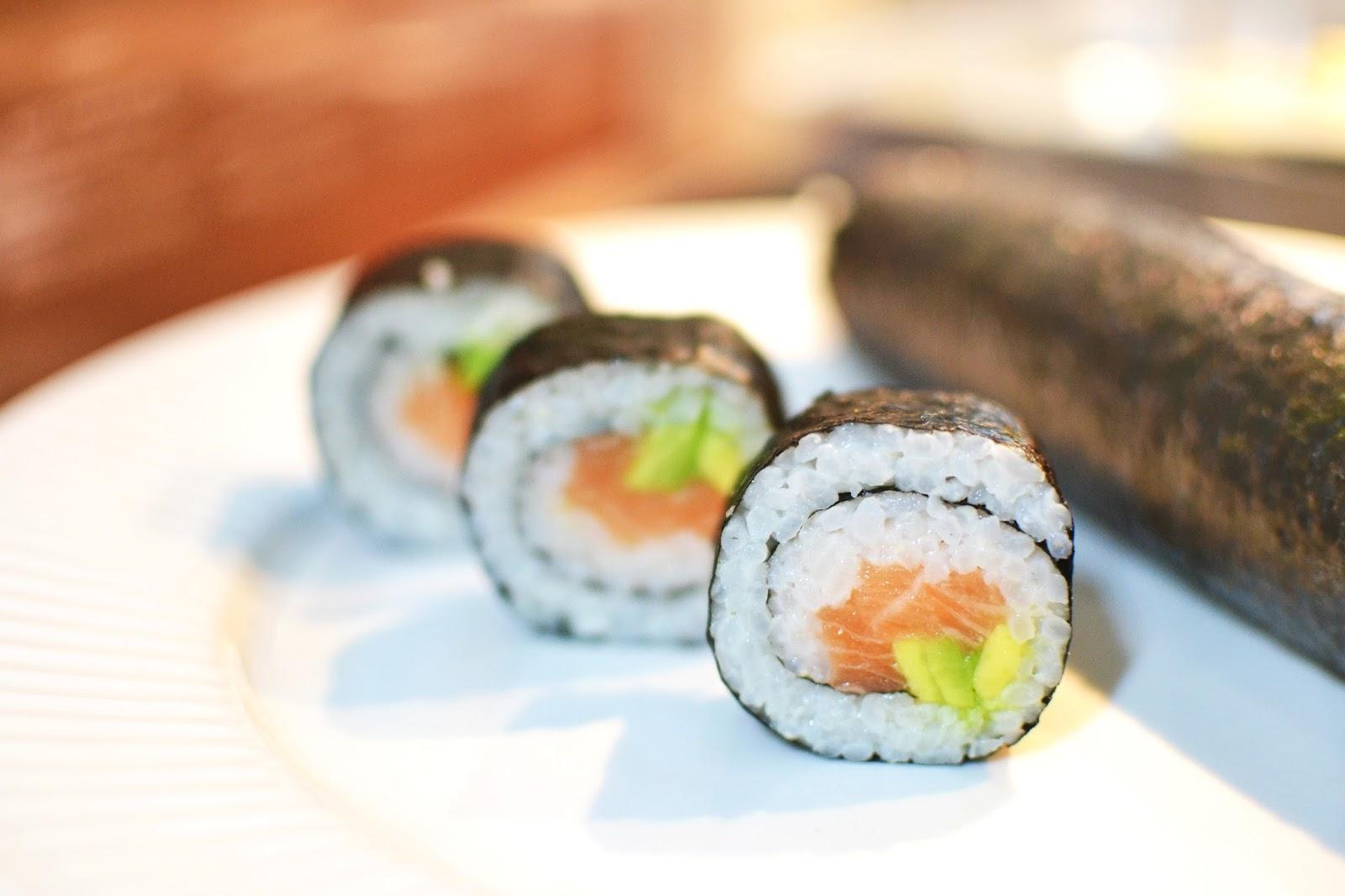 maki sushi rolls, making sushi, sushi