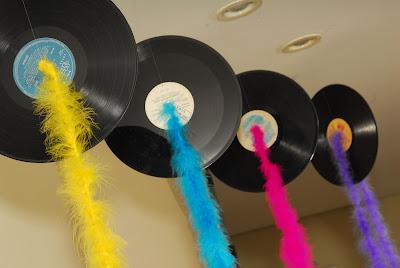 dicas de decoração para festa dos anos 60