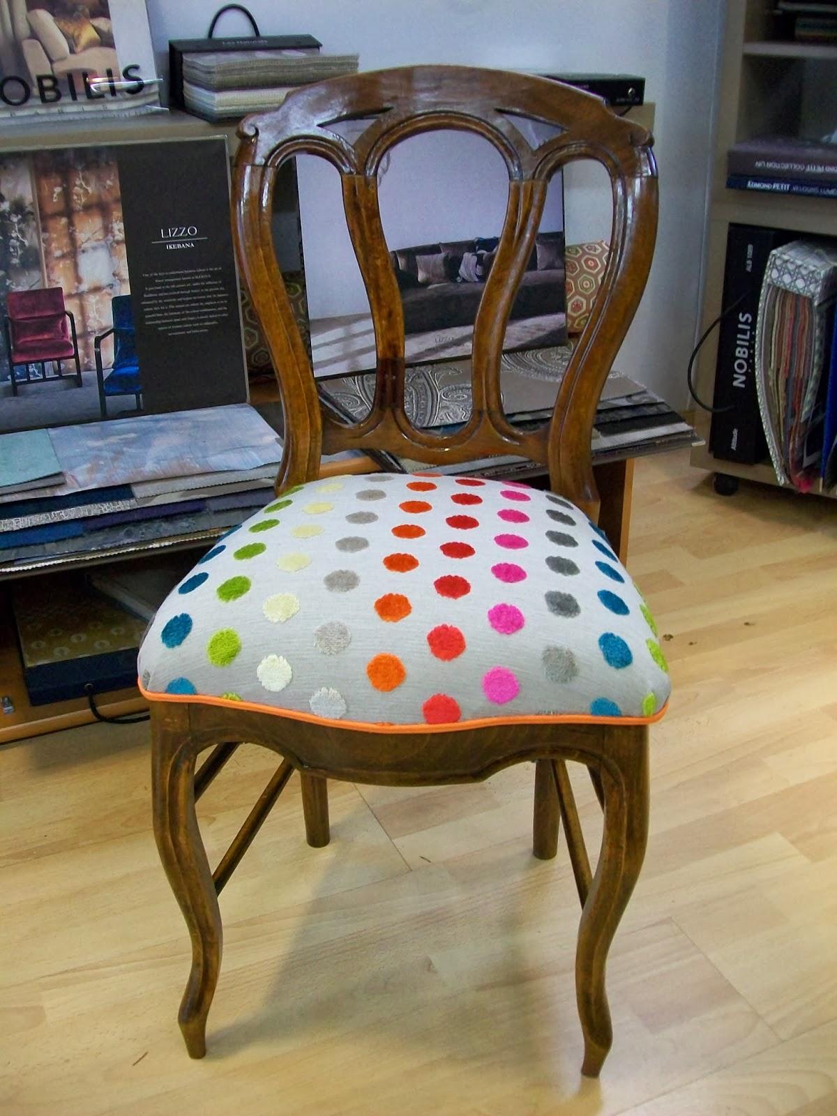 l 39 petite chaise de chambre. Black Bedroom Furniture Sets. Home Design Ideas