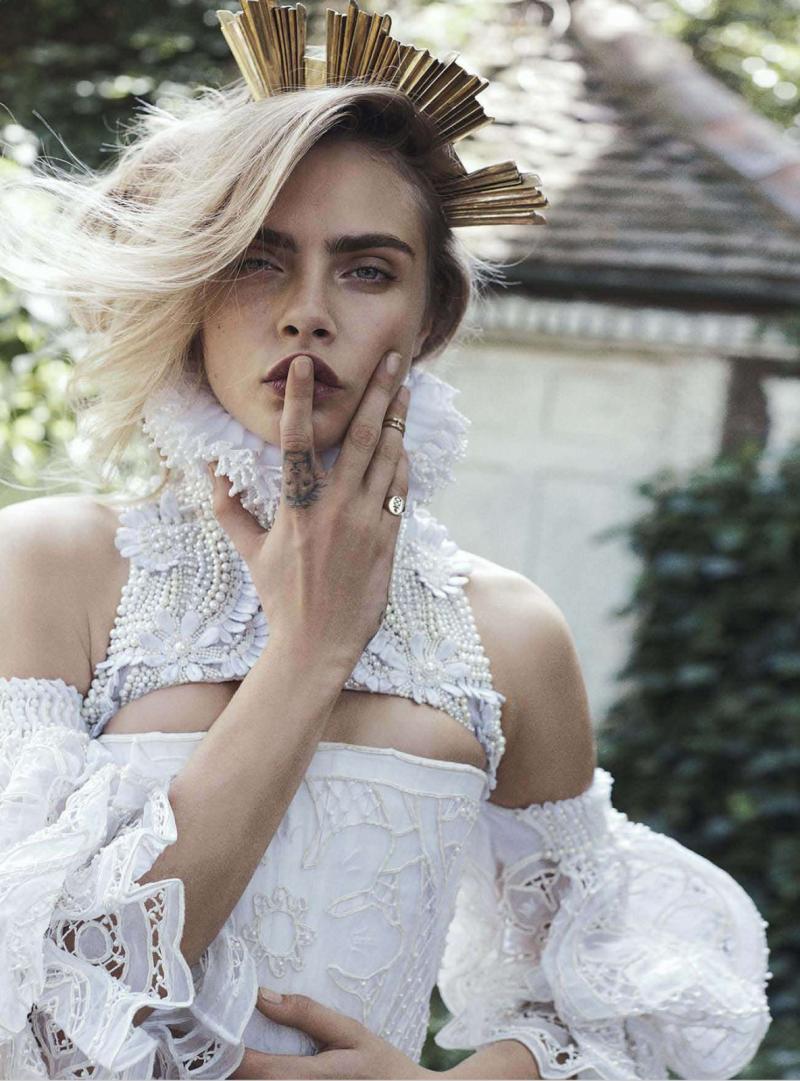 Mode: Cara Delevingne for Vogue Australia, October 2013