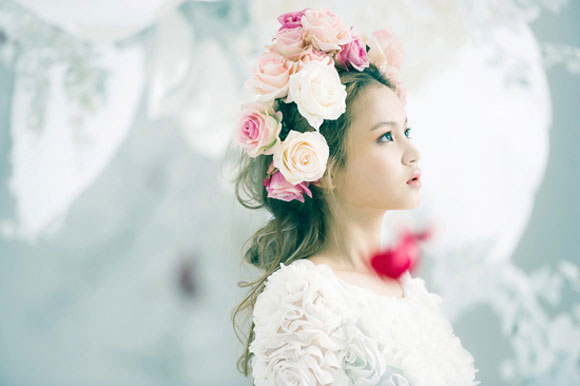 Lee Hi trong Rose