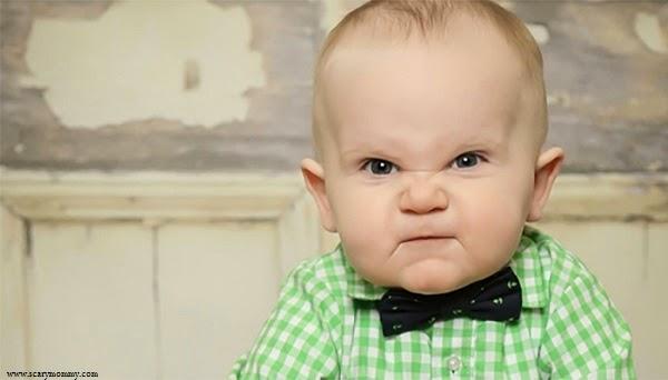 Photo bébé élégant en colère