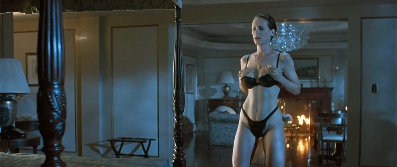jamie lee curtis true lies strip safekeeping
