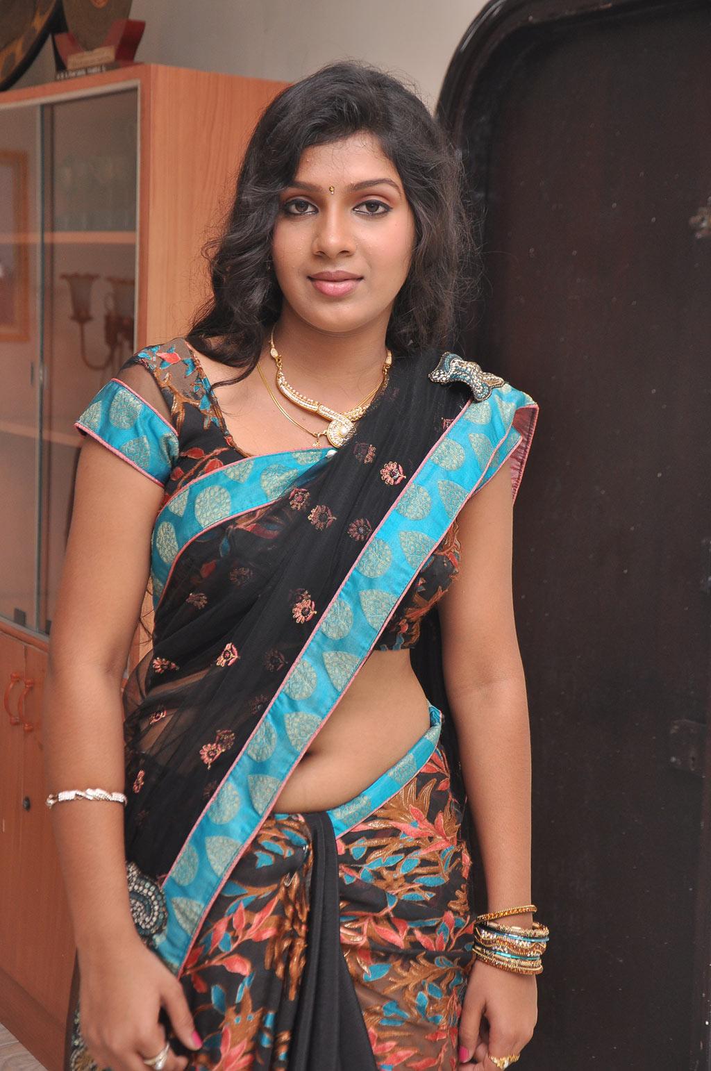 22 telugu aunty boobs pressing with black saree - 3 part 4