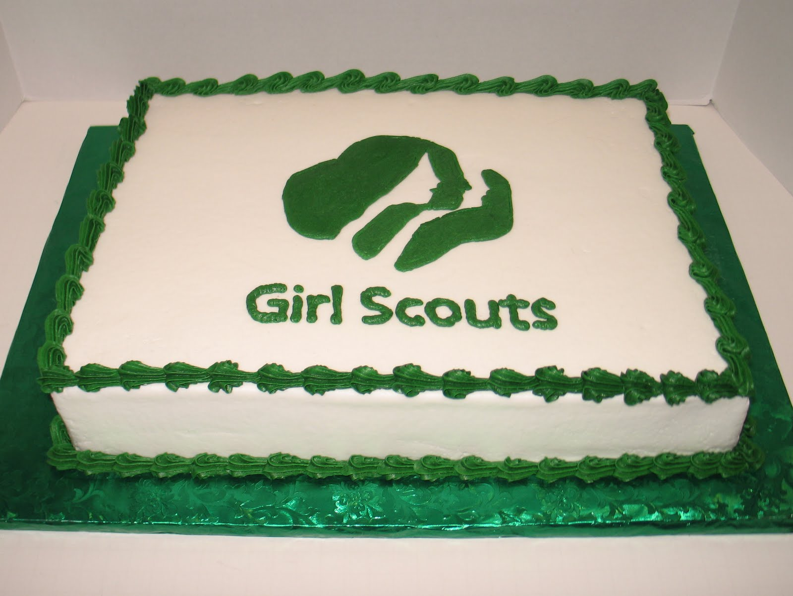 Cake Ideas For Girl Scouts : Sandy s Sweets: Scouting Time