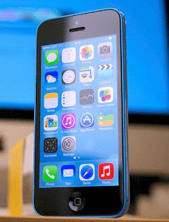Tetapi rupanya perusahaan Cupertino ini masih tetap menaruh iPhone baru yang lain. Beritanya Apple merencanakan meluncurkan iPhone 5s varian 8GB.