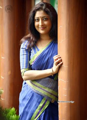 Lakshmi gopalaswami hot in saree navel malayalam mallu glamourus    Lakshmi Gopalaswami Navel Show
