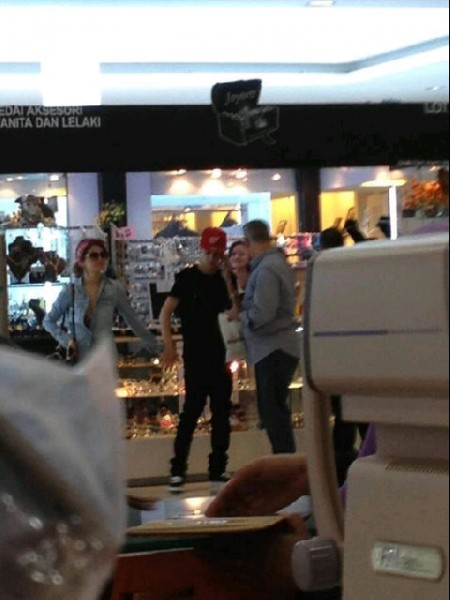 Justin Bieber Dan Salena Gomez Di Wangsa Walk