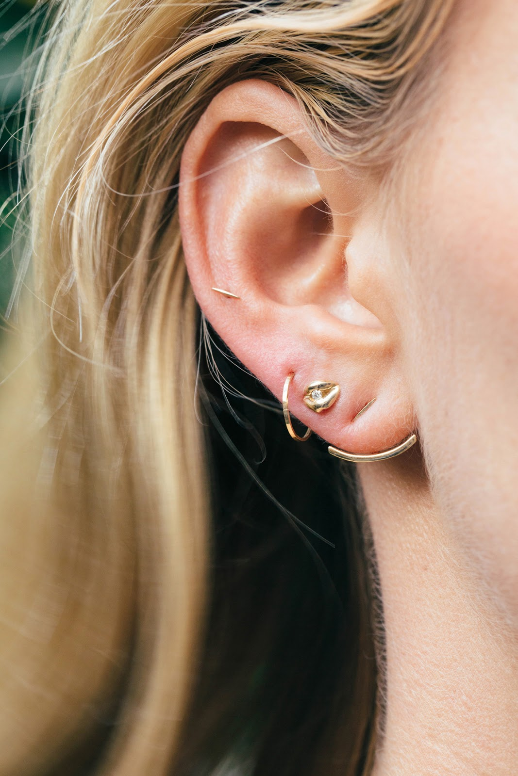 Фото девушек с проколотыми ушами