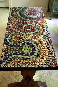 Mosaico de tampinhas de garrafas