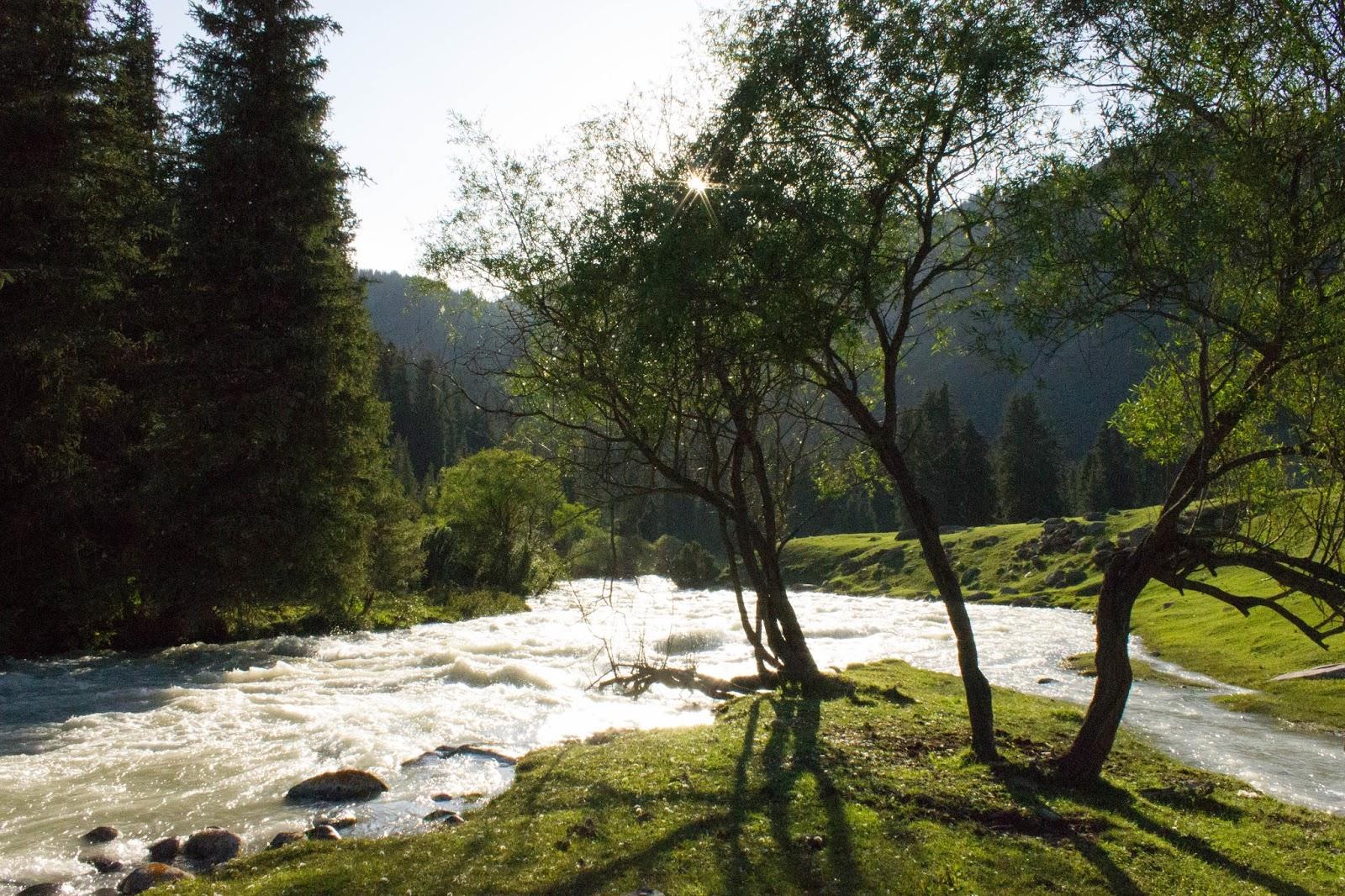 Кыргызстан, Джеты-Огуз, Иссык-Куль, река