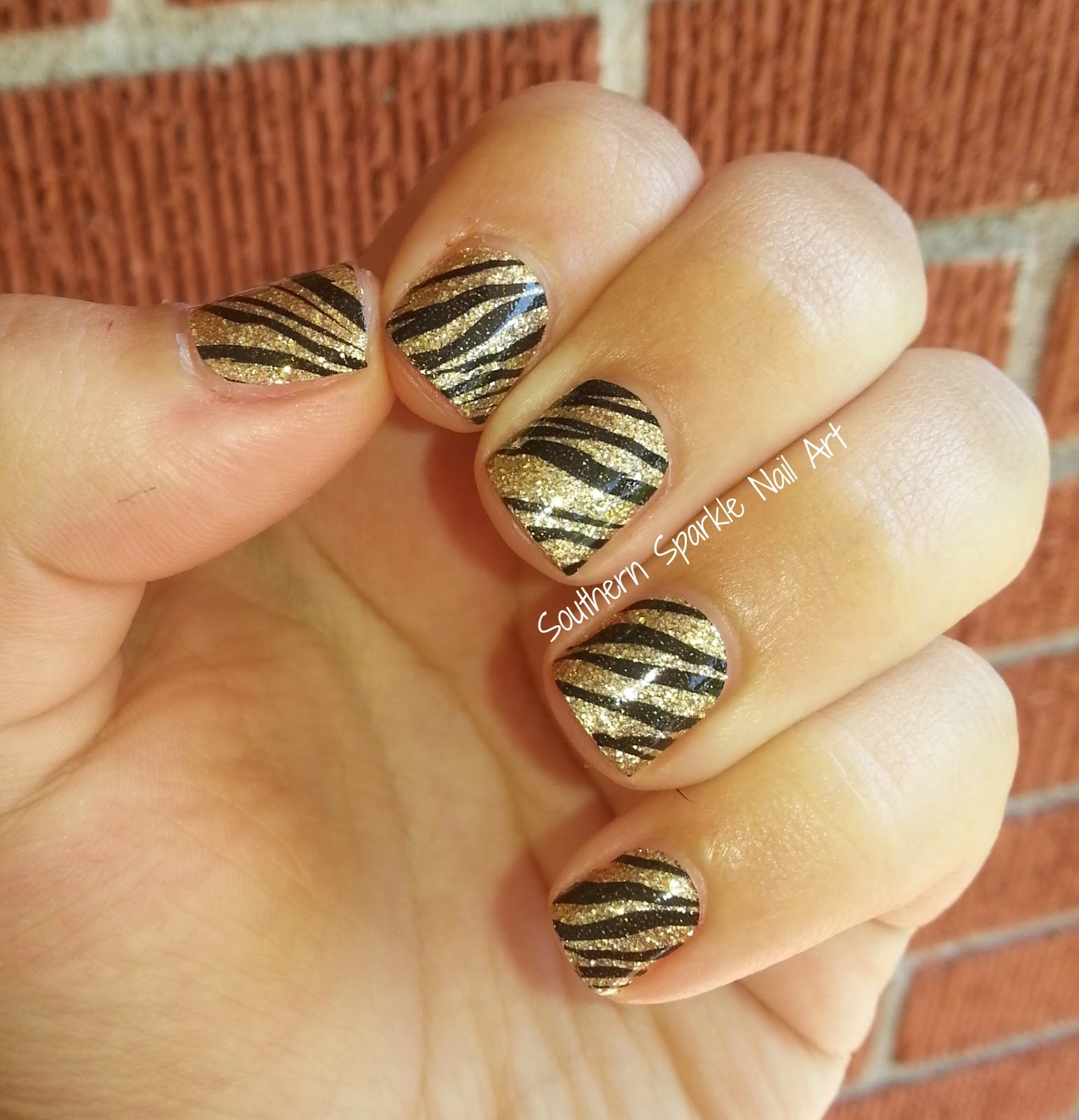 Southern Sparkle Nail Art: Revlon Nail Art Style Strips: Wild One