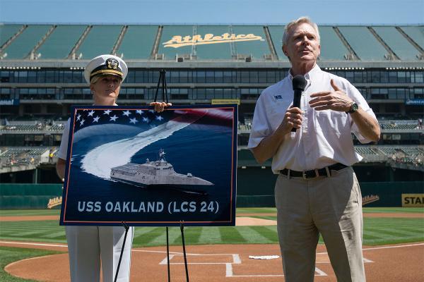 Secretary of the Navy Ray Mabus announces the name of the Independence-class littoral combat ship LCS 24 as USS Oakland