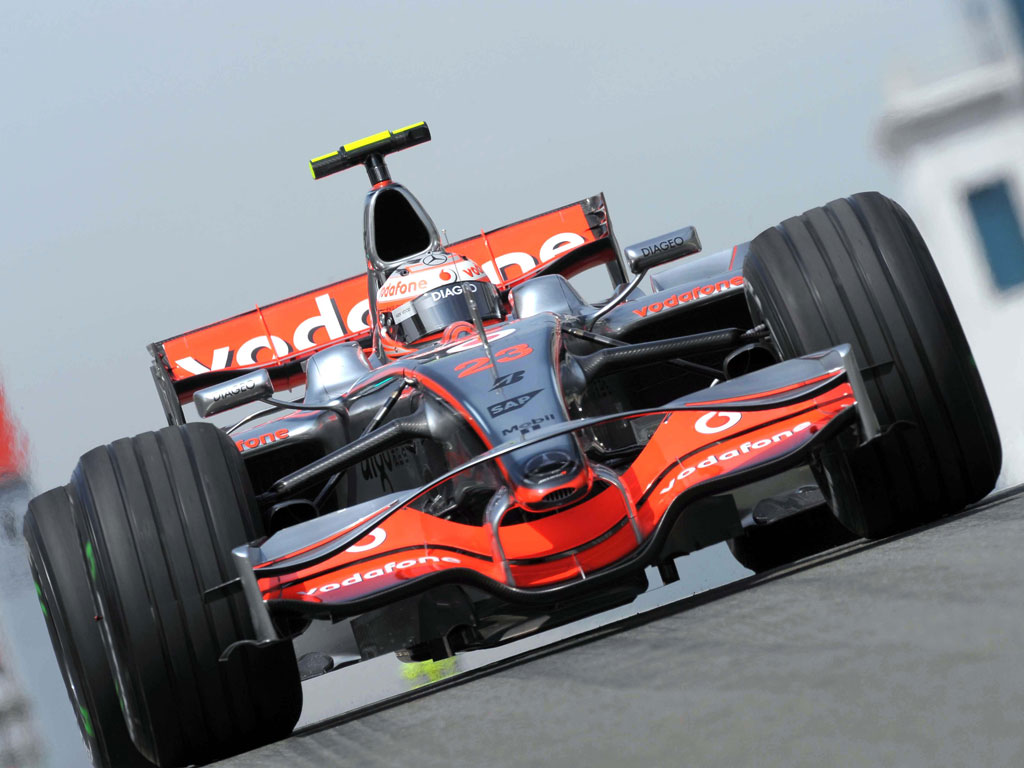 http://3.bp.blogspot.com/-VDKni-_fmIQ/T0weiynhv4I/AAAAAAAAATQ/bSTsPMtGrX4/s1600/Formula_One_Racing_Wallpapers.jpg