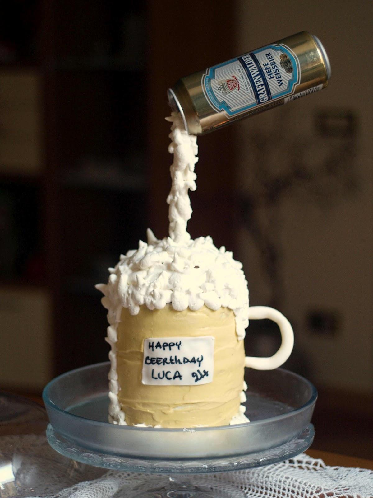 Cup linda cake happy beerday bro for Piani domestici a forma di t