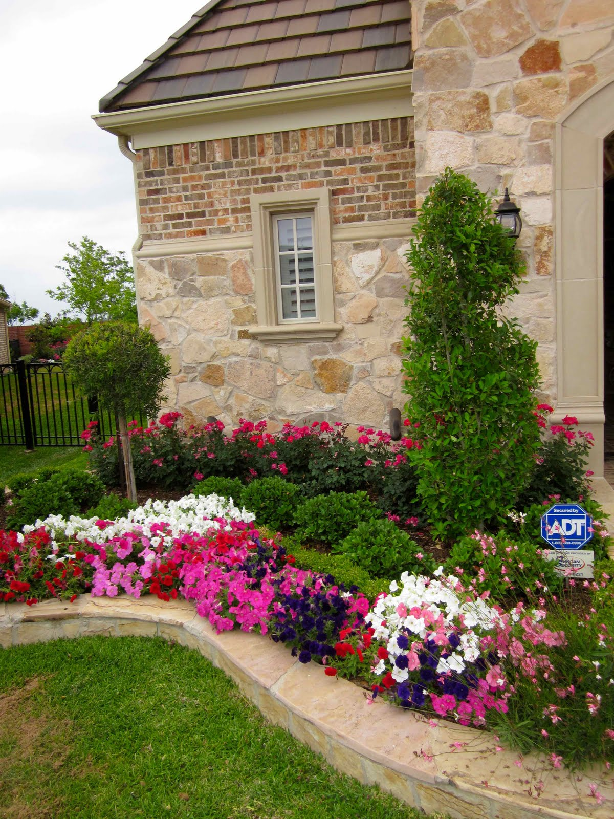 Quotidian grace spring glorious in sugar land for Spring garden designs