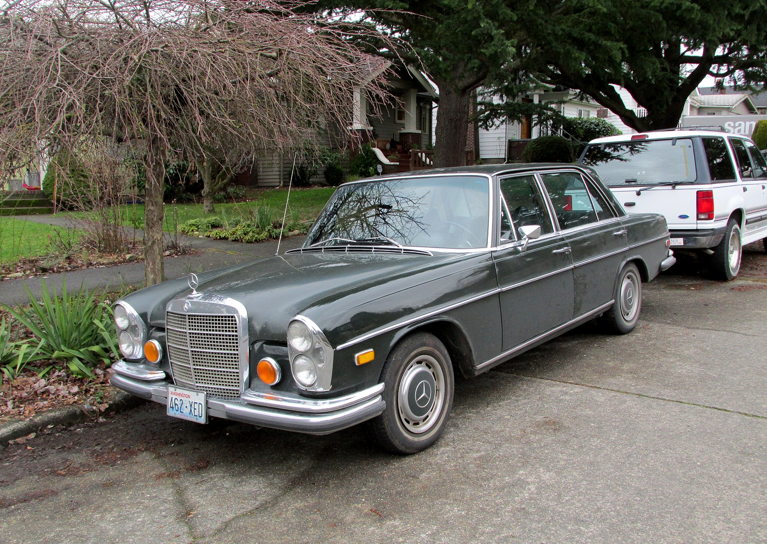 Seattle 39 s classics 1972 mercedes benz 280 sel sedan for 1972 mercedes benz