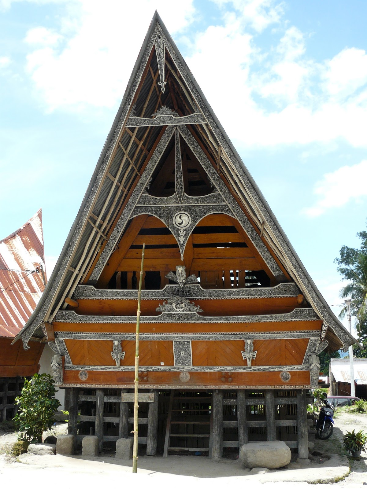 Wisata Desa Tomok Dan Desa Ambarita Sumatera Utara Gido Interior