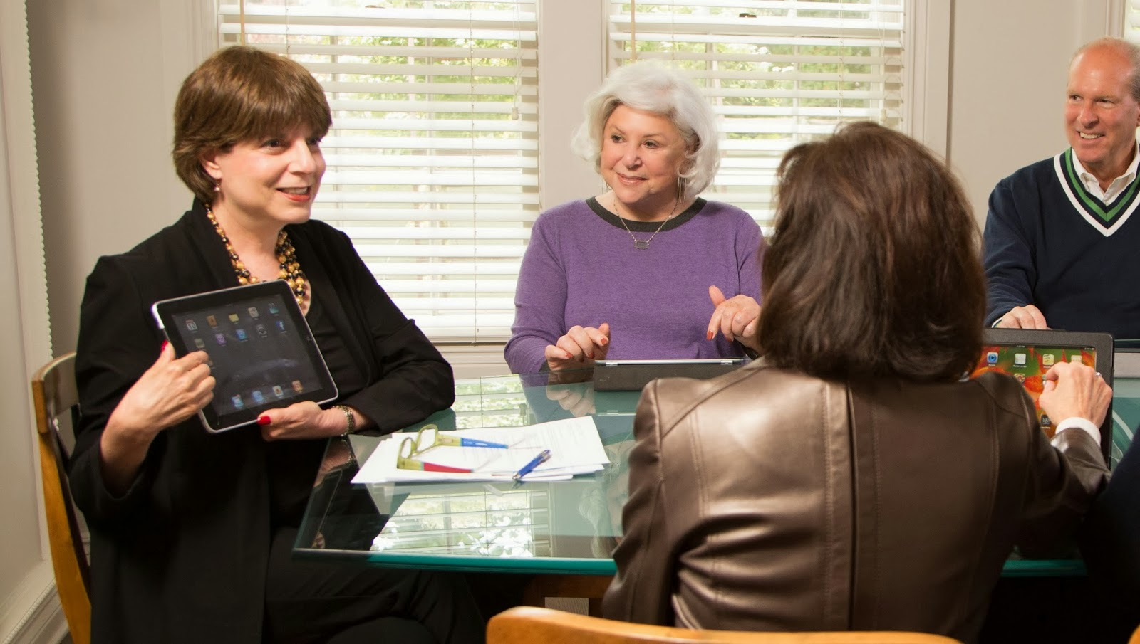 Suzie Mitchell of Clear Writing Solutions helps seniors and Boomers understand technology