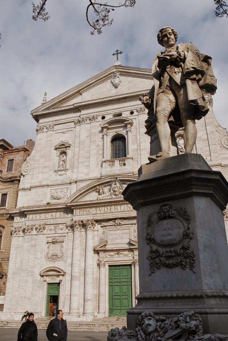 La statua di Pietro Metastasio