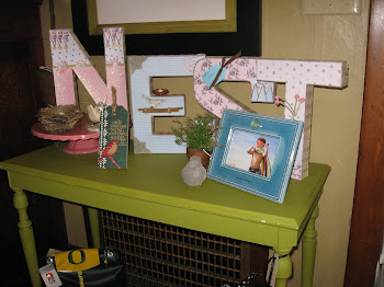 Adorable ideas to spruce up your entry table!