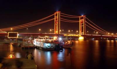 Jembatan Ampera Objek Wisata Andalan Sumatera Selatan
