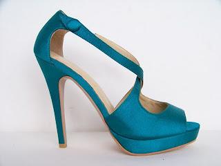 Sandália azul para festas