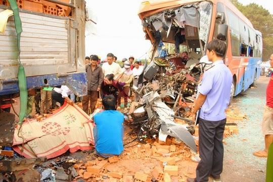 Quốc lộ 14: Tai nạn rình rập
