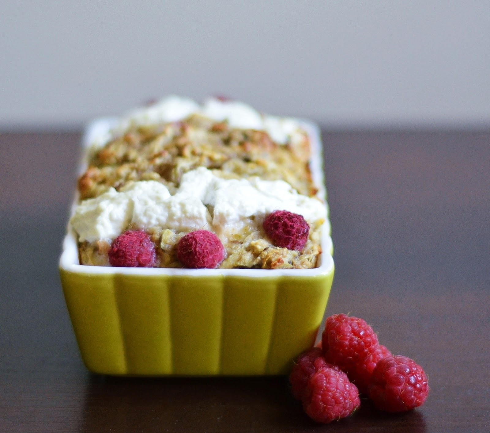 dietetyczne ciasto z ricottą i malinami