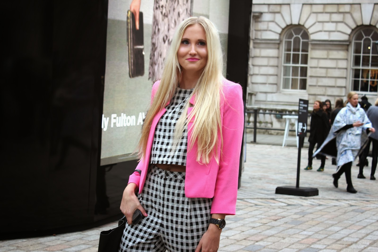 London_Fashion_Week_2014_street_style