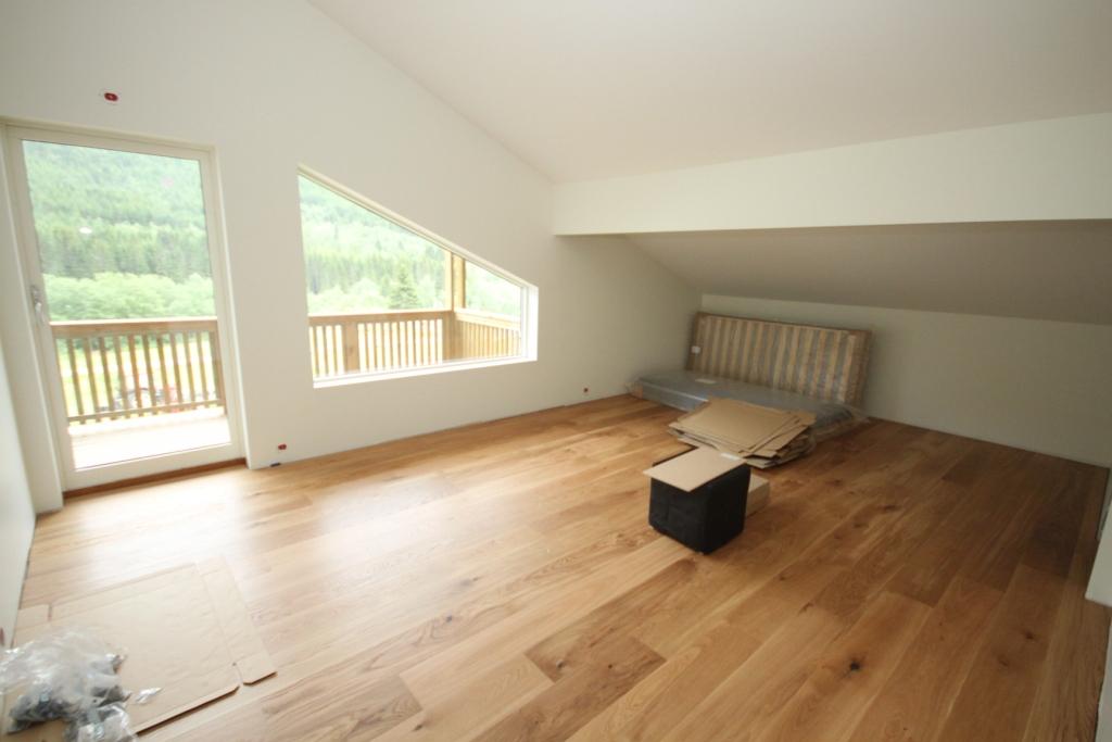 v r byggeblogg 24 juli parkett stonewall litt flis og montering. Black Bedroom Furniture Sets. Home Design Ideas