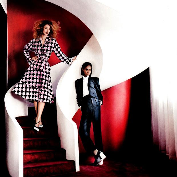 No ensaio, Raquel veste looks bem femininos. Enquanto Joan usa peças com inspiração masculina. Em comum, peças dos principais nomes da moda mundial (Foto: Divulgação)