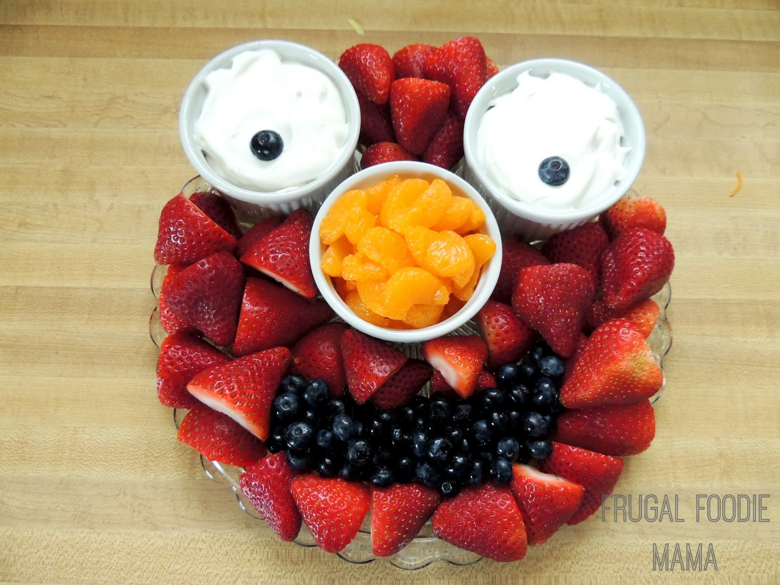 Frugal foodie mama an elmo birthday celebration for Apples decoration