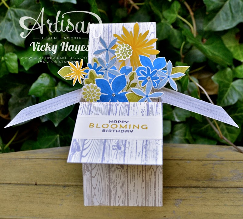 UK Stampin' Up demonstrator Vicky Hayes shows how to make a card in a box with Hardwood and Flower Patch stamps