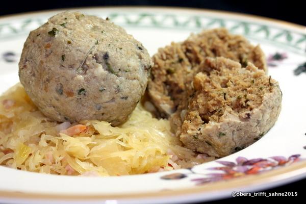 Leberknödel und Sauerkraut