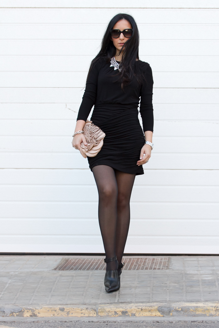 Outfit with little black dress rutched twist skirt