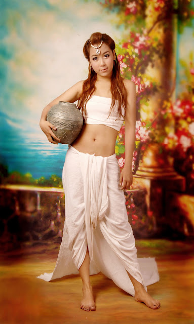 teenage cute model girl thun than thar