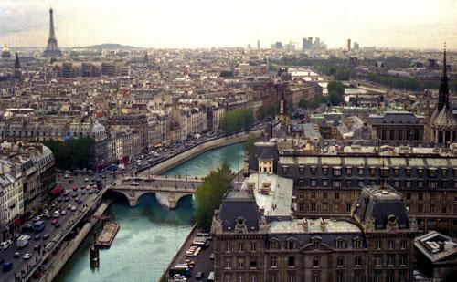 París atravesada por el río Sena