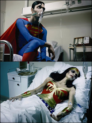 El SIDA nos concierne a todos campaña AIDES con superman y wonderwoman
