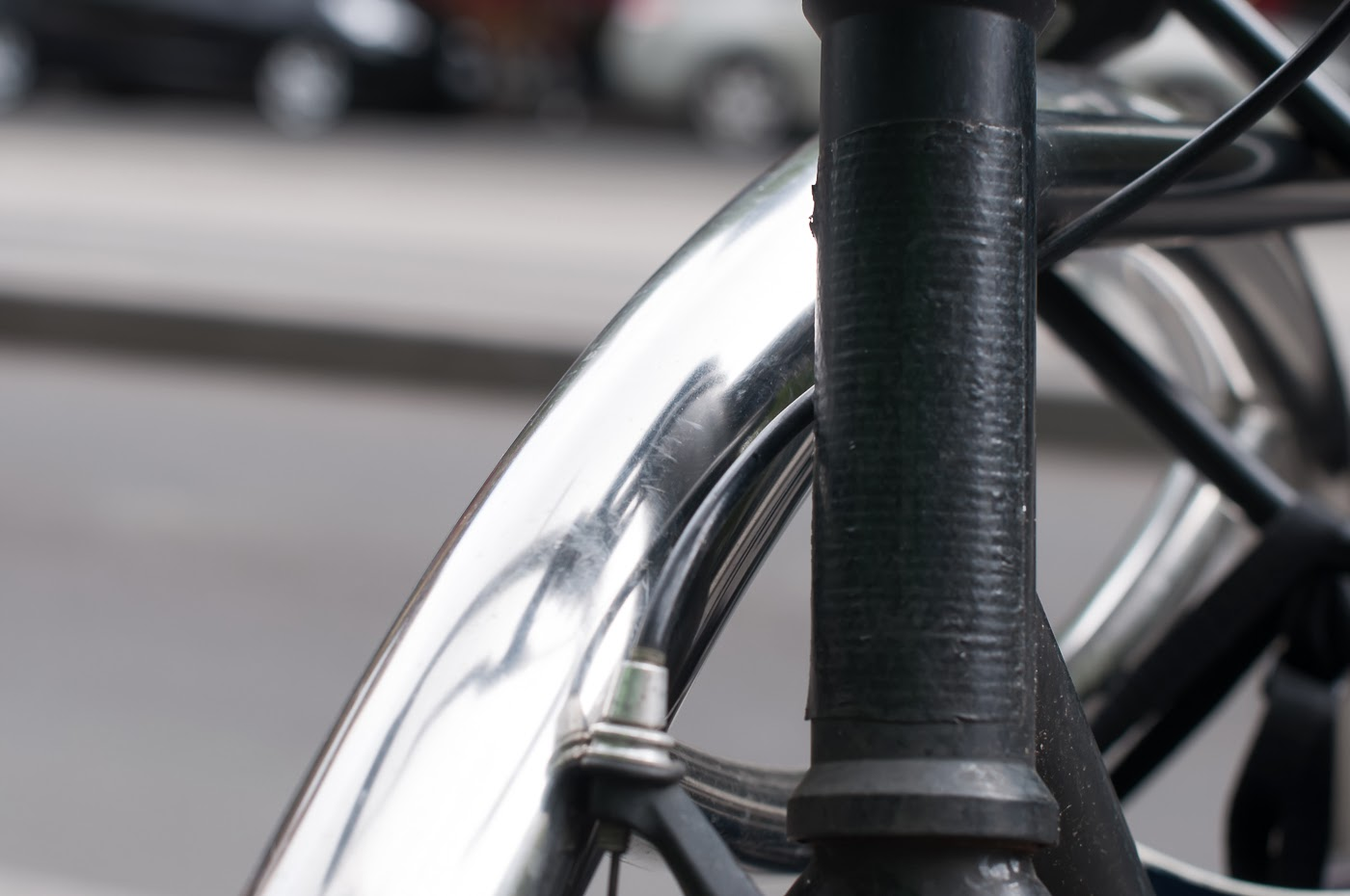 single speed, bike, bicycle, tim macauley, the biketorialist, melbourne, road bike,  bourke st, custom, stealth, black, track frame, swanston St, headtube, gaffer tape