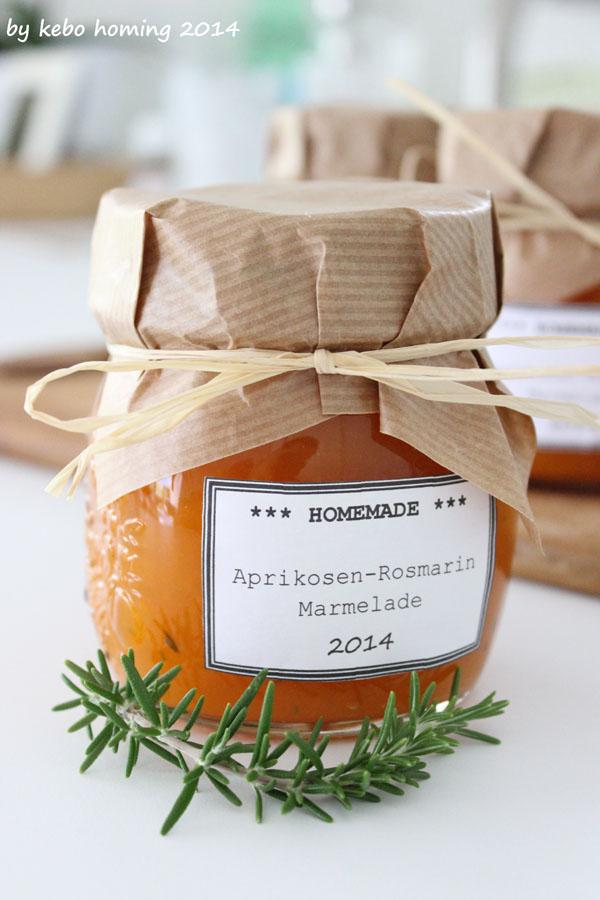 http://kebohoming.blogspot.it/2014/07/aprikosen-rosmarin-marmelade.html