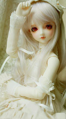 Cute White Doll Photos